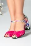 Sandale fucsia cu decupaj si motive florale